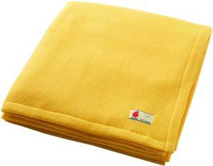 【防災用品 非常時 緊急避難 備蓄用 保温性 難燃性 フリース ブランケット コンパクトタイプ】 災害備蓄用毛布 真空パック入り クリーム色にリニューアル! ポリエステル織り毛布よりコンパクトで軽くてあたたかいフリース毛布です。 職場や家庭でまさかの時に備えて! ブランケット・毛布 オンライン通販