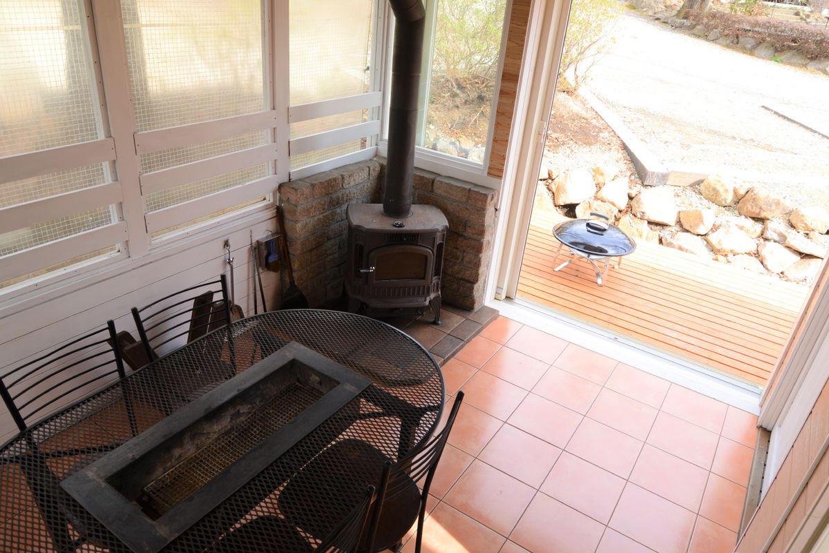 takibi_cottage_sunroom.jpg